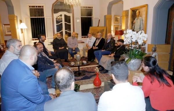 جنبلاط استقبل وفدا من اهالي وعائلات الموقوفين الاسلاميين