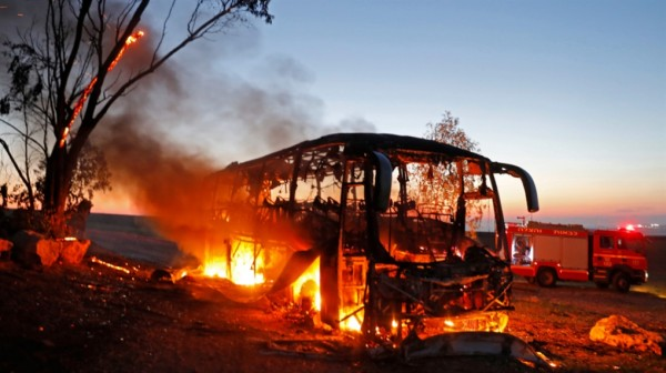قصف حافلة الجنود: رسالة الردع أقوى من الحرب