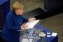 ميركل تدعو إلى بناء جيش للاتحاد الأوروبي