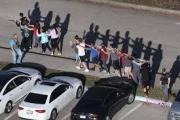 هل يحفز القتل العشوائي في المدارس الأميركية التلاميذ على الانشغال بالسياسة