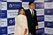 100 طائرة لنقل مدعوي حفل زفاف ابنة أغنى رجل في الهند