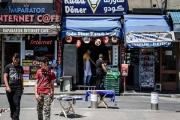 اقتصاديون يردون على السؤال: هل اللاجئون السوريون، حقاً، 'عالة' على بلدان اللجوء؟