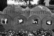 ماذا سيحدث لحساباتك على فيسبوك وإنستغرام وتويتر بعد موتك؟ هناك إجابة لهذا السؤال المتشائم