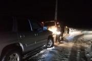 بالصور ... إنقاذ مواطنين احتجزتهم الثلوج في فالوغة والمغيته وضهر البيدروكفردبيان