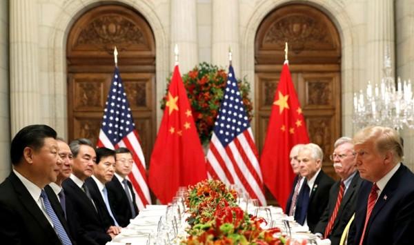 الحرب الباردة بين بكين وواشنطن تستعر عند غرب المحيط الهادئ