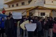 إعتصام لفاعليات بلدة ببنين رفضا لتعيين مديرة مدرسة السلام من خارج المنطقة