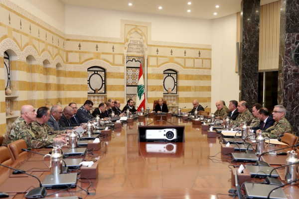 المجلس الاعلى للدفاع: سلسلة مقررات لمواجهة الاعتداء الاسرائيلي وتقديم شكوى الى مجلس الامن