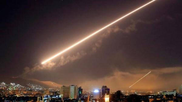 النظام السوري يعلن التصدي لقصف إسرائيلي استهدف محيط دمشق