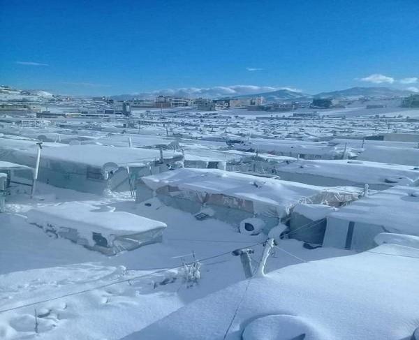 مفوضية اللاجئين: الظروف المناخية القاسية تهدد أكثر من 70,000 لاجئ في لبنان