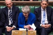 بريطانيا ... ماي تنجو بصعوبة من تصويت على 'الثقة' وتدعو الأحزاب للحوار