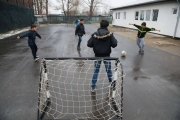 رياضات الكرة تهدد الأطفال بإصابات الركبة