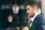 بعد 500 عام من استخدامها .. أطباء يرصدون مخاطر ربطة العنق