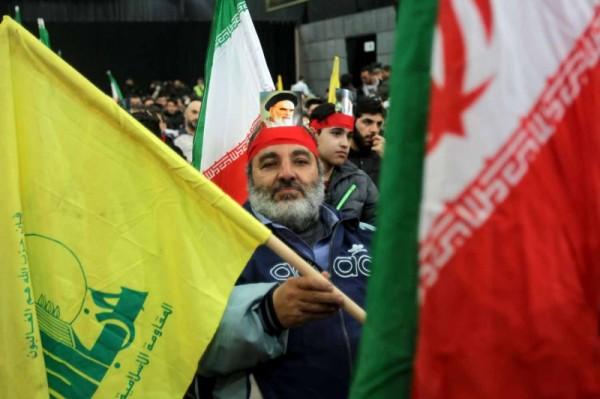 ظريف في بيروت لتحدّي الضغوط على حزب الله
