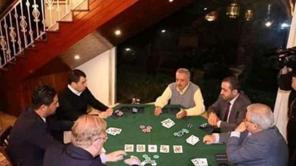صورة لنواب ووزراء على طاولة 'لعب الورق' تُشعل مواقع التواصل الاجتماعي... وهذه حقيقتها