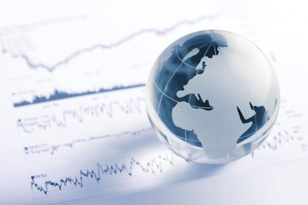 فقاعة الديون خطر يداهم العالم بعد سنوات من الفائدة المنخفضة