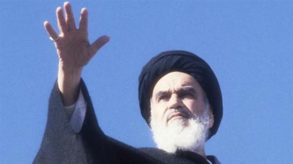 الخميني والثورة... والإيراني والمرآة