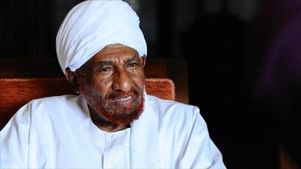الصادق المهدي يحذر من «انقلاب داخلي» في السودان