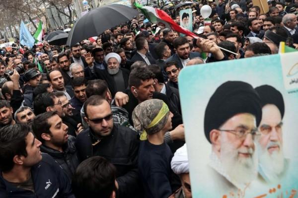 القلق الإيراني من الضغوط الداخلية والخارجية يتحوّل إلى تصريحات نارية