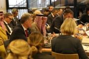 العرب بين مؤتمرين…
