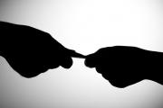 مكافحة الفساد أية أدوار وأية أهداف سياسية؟!