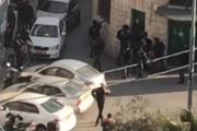 قوات الاحتلال تقتحم مسجدا بالقدس بهدف إنزال علم فلسطين أعلى قبته وتعتقل شابين