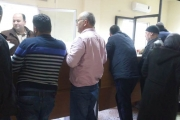ازدحام امام وداخل كهرباء حلبا لتقديم طلبات للحصول على عدادات