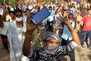 السودان يرفع الحظر عن مواقع التواصل الاجتماعي