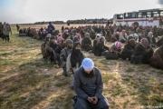 خارجون من آخر جيوب التنظيم في سوريا يتحدثون عن انقسام بين مقاتليه