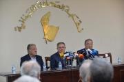 السنيورة يشن هجوما معاكسا على 'حزب الله' حول الـ11 مليار دولار ويتهمه بحجب أموال الجمارك عن الخزينة
