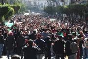 كيف يحفز سحب بوتفليقة ترشحه المصريين للثورة؟