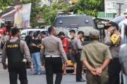 زوجة وابن مشتبه به يفجّران نفسَيهما شمالي إندونيسيا