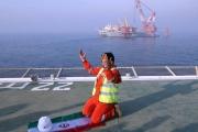 طهران تقترض من الإيرانيين بفوائد فلكية لإنقاذ منشآت النفط
