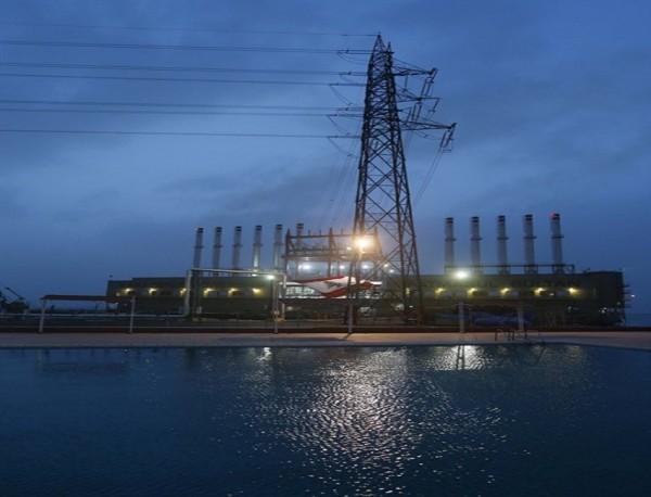 هل تقضي خطة 'الطاقة' باعتماد البواخر مجدداً؟   هذه مواقف الكتل المناهضة