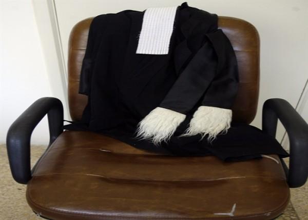 ملف الفساد القضائي: توقيف مرافق المدّعي العام التمييزي ومنح الإذن بملاحقة محامية
