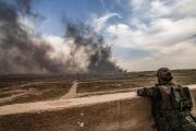بعد تفجيرات الجمعة.. اشتباكات متقطعة في 'جيب داعش الأخير'