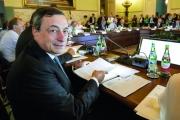 «المركزي الأوروبي» يطرح برنامجا للتحفيز المالي