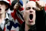 'أوبزيرفر': تزايد انتشار منابر اليمين المتطرف على وسائل التواصل… والكراهية ضد المسلمين