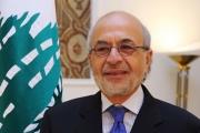 وزير التربية يكلف موظفة جديدة المصادقة على الإفادات الجامعية...