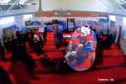 بالفيديو ... هجوم بالبيض على زعيم حزب العمال البريطاني