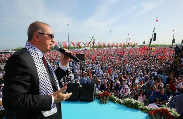 أردوغان ينشر قصته من 'بائع سميت' إلى رئيس.. ويعلق
