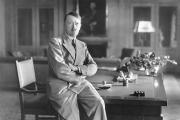 من جورج واشنطن لهتلر.. 5 شخصيات هامة غيرت التاريخ الحديث