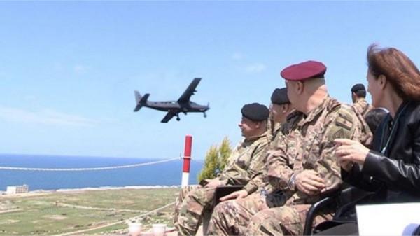 بالفيديو ... رماية جوية موجهة بالليزر يقوم بها الجيش للمرة الأولى