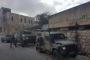 بنيّة قتل أطفال..مستوطنون يزرعون قنابل على درج مدرسة في الخليل