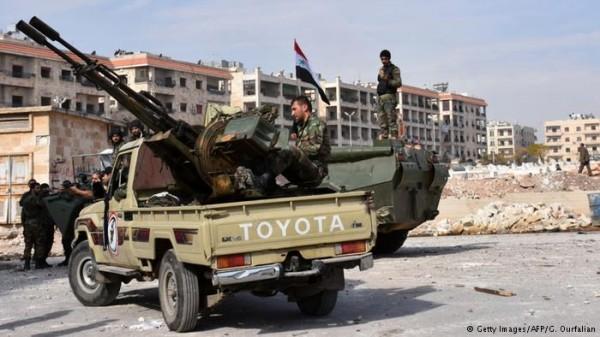 مقتل 5 عناصر من استخبارات النظام السوري بقصف صاروخي في حلب