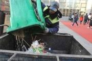 عامل نظافة صيني يتبرع بمعظم أمواله لـ'هدف نبيل'