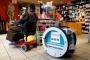 روبوت يوصل الطعام إلى الزبائن في باريس
