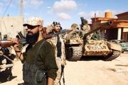بالفيديو ... قوات حفتر متهمة بتنفيذ إعدامات ميدانية وتمثيل بالجثث