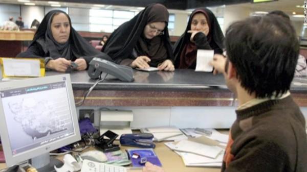 محللون: الآلية الأوروبية للتجارة مع إيران فشلت قبل بدايتها .. وطهران في حالة طوارئ مالية