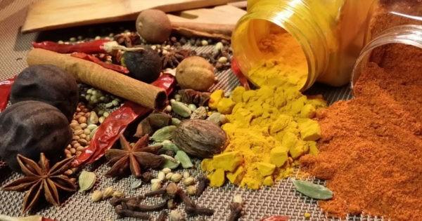 80 بالمائة من البهارات والأعشاب في الأسواق اللبنانية ملوثة بـ«سموم فطريّة»!