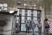 لبنان.. إفراج عن جنائيين وعملاء والإسلاميون 'منسيون'